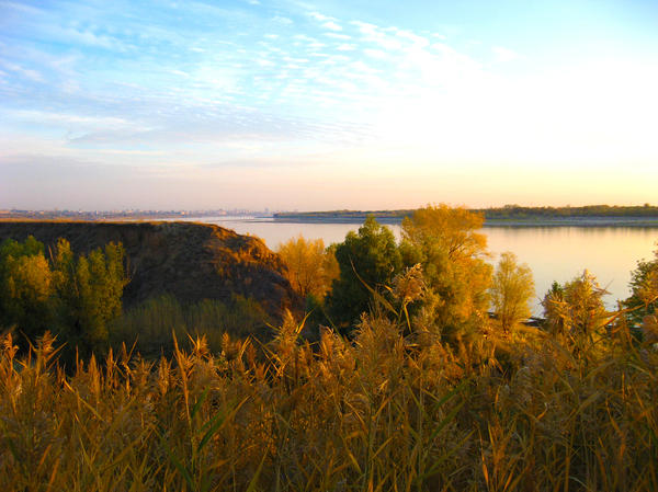 Volga: Early morning on the Volga