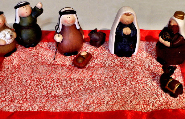 table-top nativity15: tabletop Christmas nativity scene
