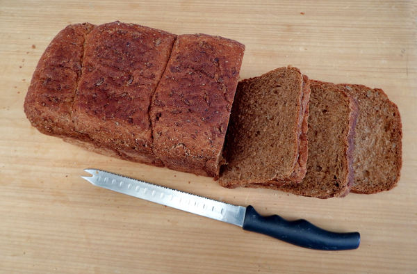 on the bread board10: wholemeal brown bread loaves variety