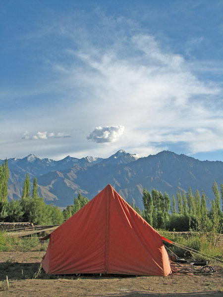 Camping: Camping in the Himalayas