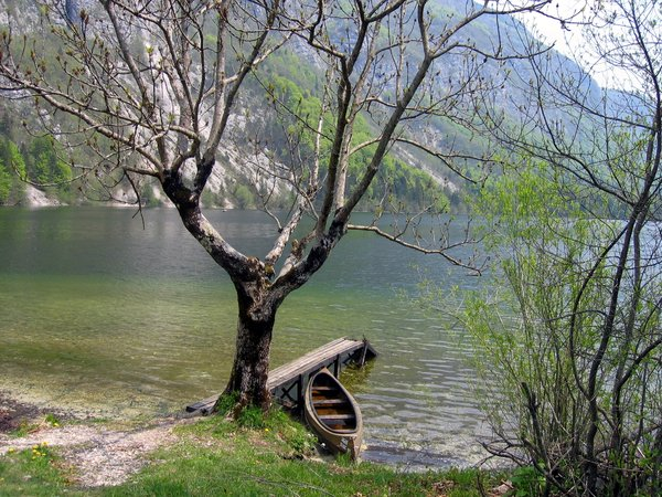 boat on lake: Bohinjsko jezero, Slovenia