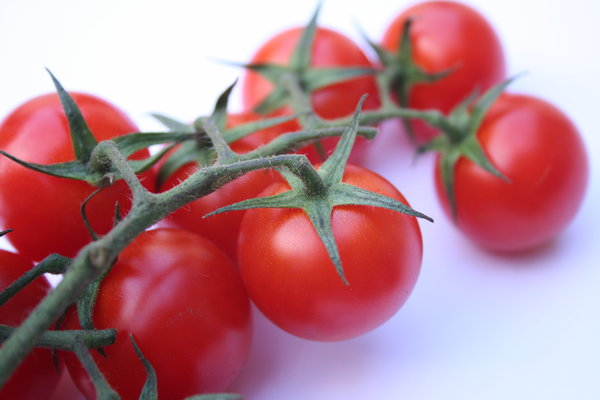tomato: tomatoes. a bit too blue in the background, but I guess you can use ps and correct that yourself.