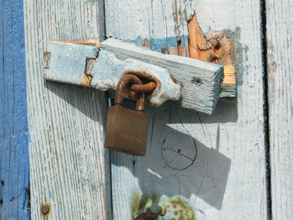 rusty lock: none