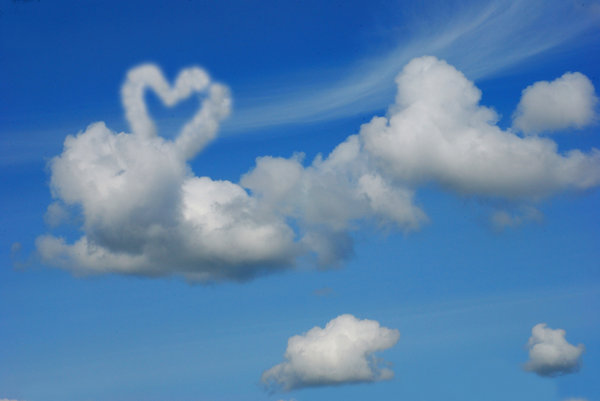 Heart on the clouds: Blue sky with the heart from the white cloud