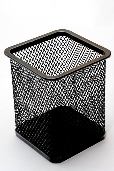 Bin for office 2: criss-cross binnetting