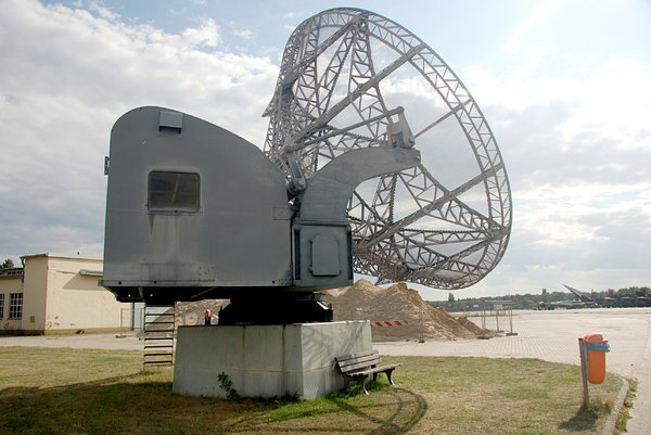 New Chinese Radar Capable Of Detecting Invisible Targets 100km Away