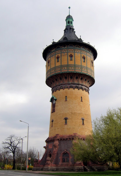 water tower: a water tower in Halle/Saale, Germany