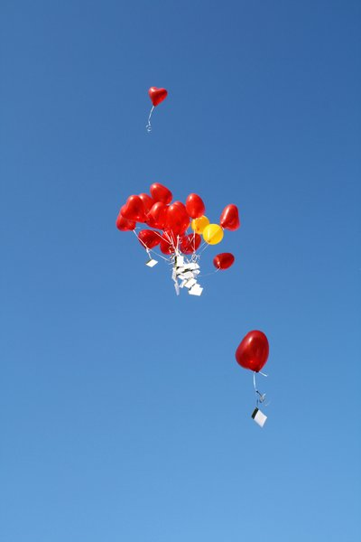 "wishlists rising: balloons with wishes for little ""lino"""