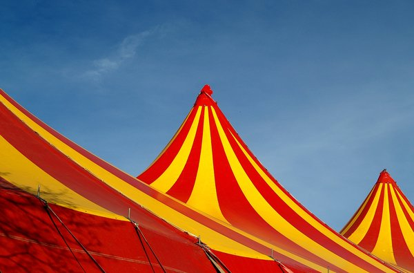 Circus is in town 2 1: More pictures of the top(s) of circustent(s)