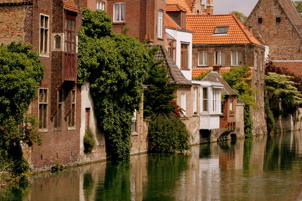 Bruges Houses on Canal: Bruges Houses on Canal
