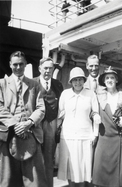 Vintage People on a cruise shi: 1932 - Vintage Cruise LinerHere is a image taken from a family album. The photo was taken on a cruise liner setting off to Europe