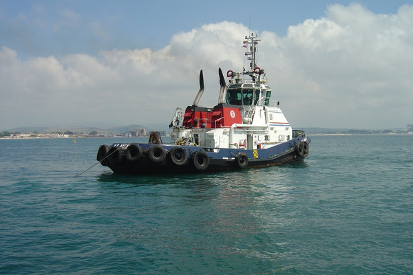 Tug boat: No description