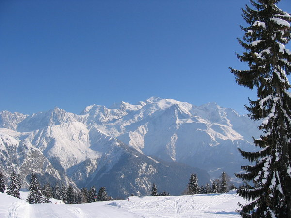 Mont Blanc mountain and ski: Mont Blanc mountain