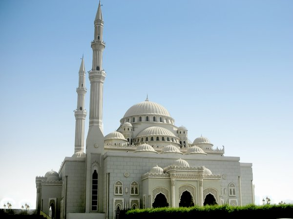 Grand Mosque: Composite image of a grand mosque in Dubai