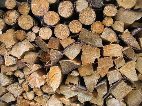 how to cut firewood to length