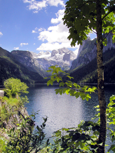 gosau - lake: lake at the dachstein-massive in gosau, austria