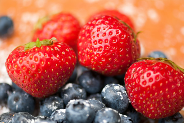 Fruit mix: strawberries and blueberries