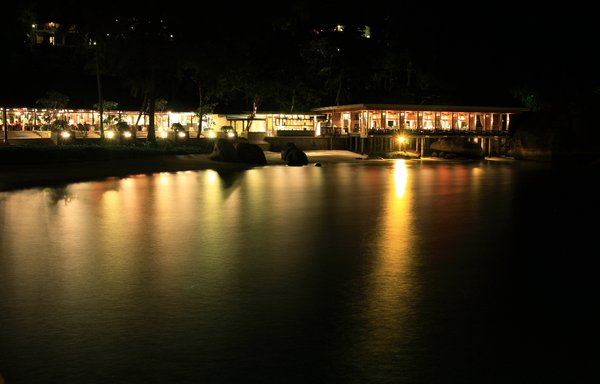 Dining By The Sea 1: Night scene of a restaurant by the sea