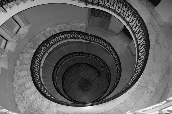 Spiral stairs 3: no description