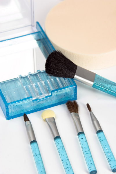 beauty brushes: blue brushes for make-up