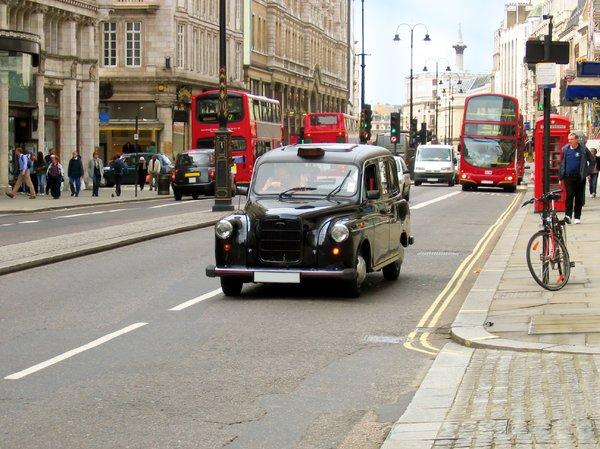 london taxi | Gratis stock foto's - Rgbstock - gratis afbeeldingen ...: www.rgbstock.nl/photo/mPsahQY/london+taxi