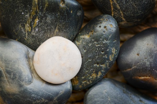 White rock 2: pebbles