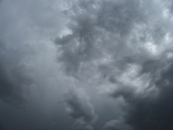 clouds - dark & grey: gathering dark gray storm clouds