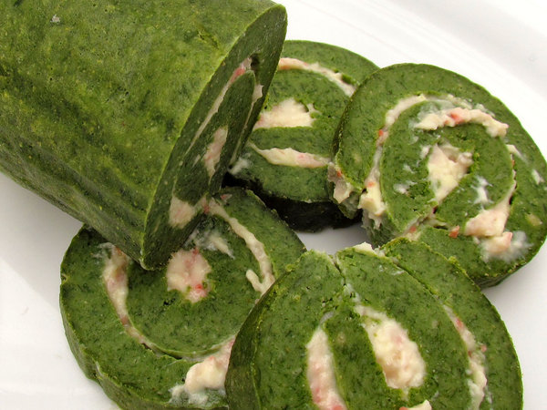 roulade of spinach2: home-made rolled spinach bread log with cheese and bacon filling