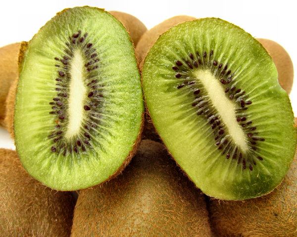 furry fruit5: quantity of ripe kiwi fruit - Actinidia Deliciosa cut open