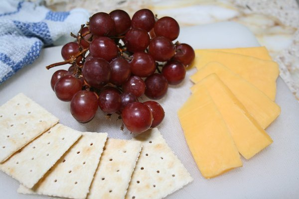 Crackers, Grapes, Cheese Snack: Worth while time to snack.