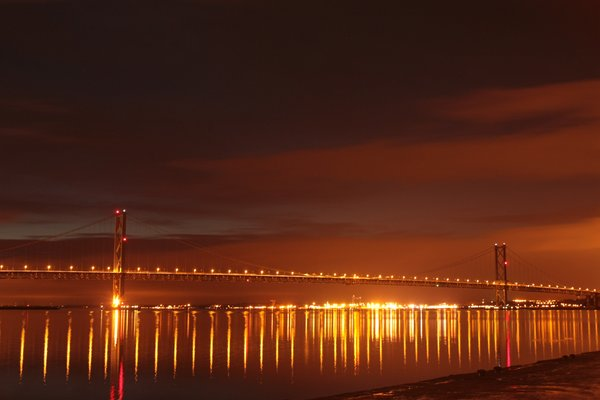 Forth Bridge at night: View of the Forth Bridge at night