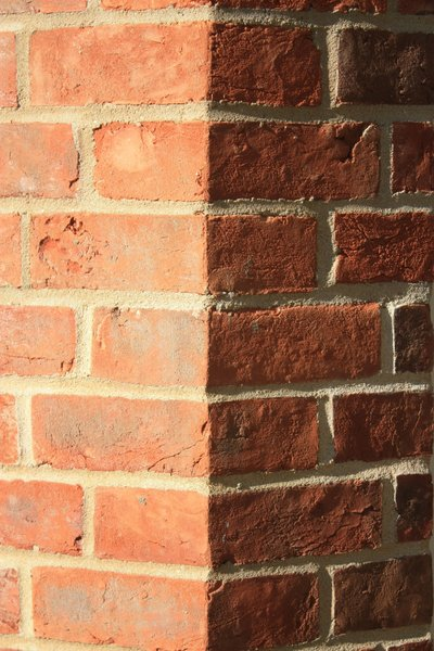 Brick corner: Bricks at a corner between walls