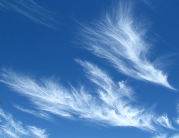 sky spirits6: fine light thin streaky cloud formations