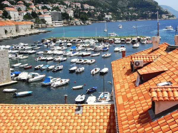 Old Dubrovnik town harbour.: no description