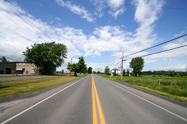 Wide-Angle Rural Road: Wide-angle rural road south of Montreal, Quebec (Canada).