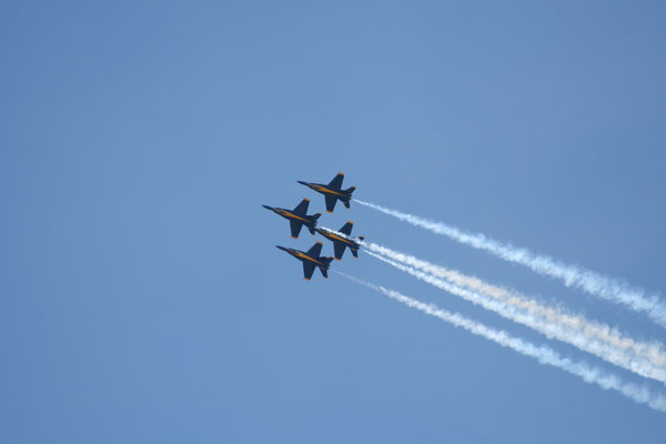 Blue Angels: Blue Angels perform