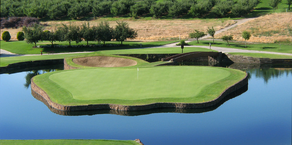 17th Green: Located in Apple Country, the green is in the shape of an apple.