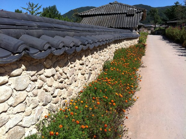 korean old style wall: korean old style wall