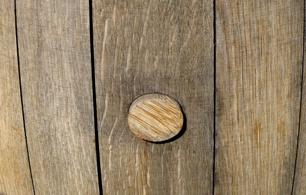 barrel bung1: bung or stopper on wooden barrel