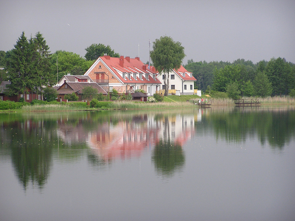 Lake houses: Houses by the lake. Trokai, Lithuania.