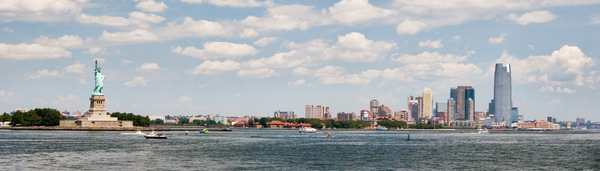 Manhattan, NY: A panorama made with 3 pictures, posted on low resolution for web use.