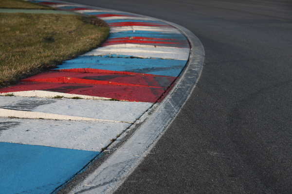 Kerbs 2: Curbs or kerbs in a left corner