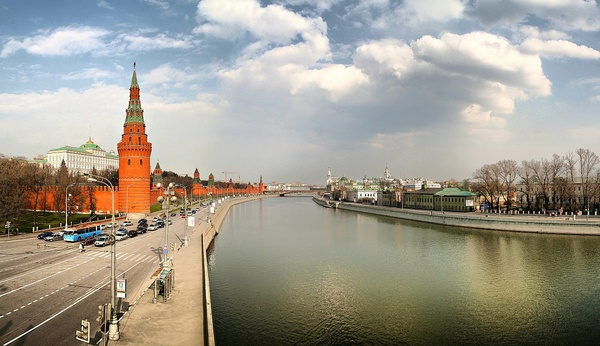 Spring at Moscow-river: This is the view of Moscow-river and Kremlin from the Big Sony Bridge. The shot was taken in March of 2007. This is preview only, full sized high quality shot is about 15 Mpixels. If you need it, contact me via SXC webform or by email openbox@mail.ruAny c