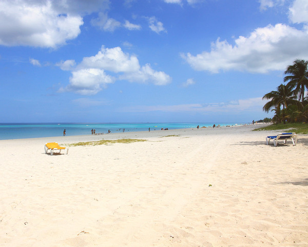 Tropic beach 4: The beach in Varadero, Cuba.The file formatted to be Windows desctop wallpaper at 1280*1024 pixels.