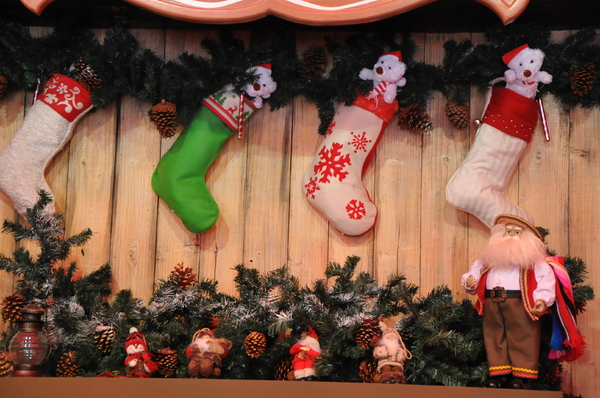 Christmas stockings: hanging Christmas stockings