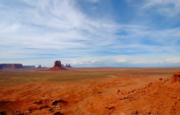 Desktop Background: Uncluttered and peaceful desktop background. Monument Valley Navajo Tribal park Arizona.