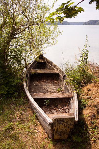 Old boat: Abandoned wooden boat