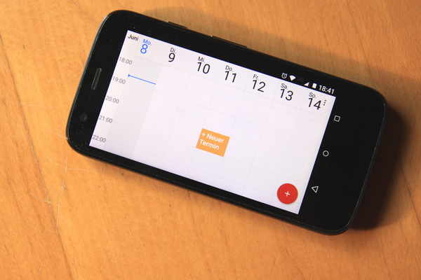 Schedule: Calendar in a mobile phone